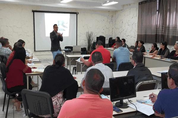 Formación del equipo docente de UPNFM Honduras.